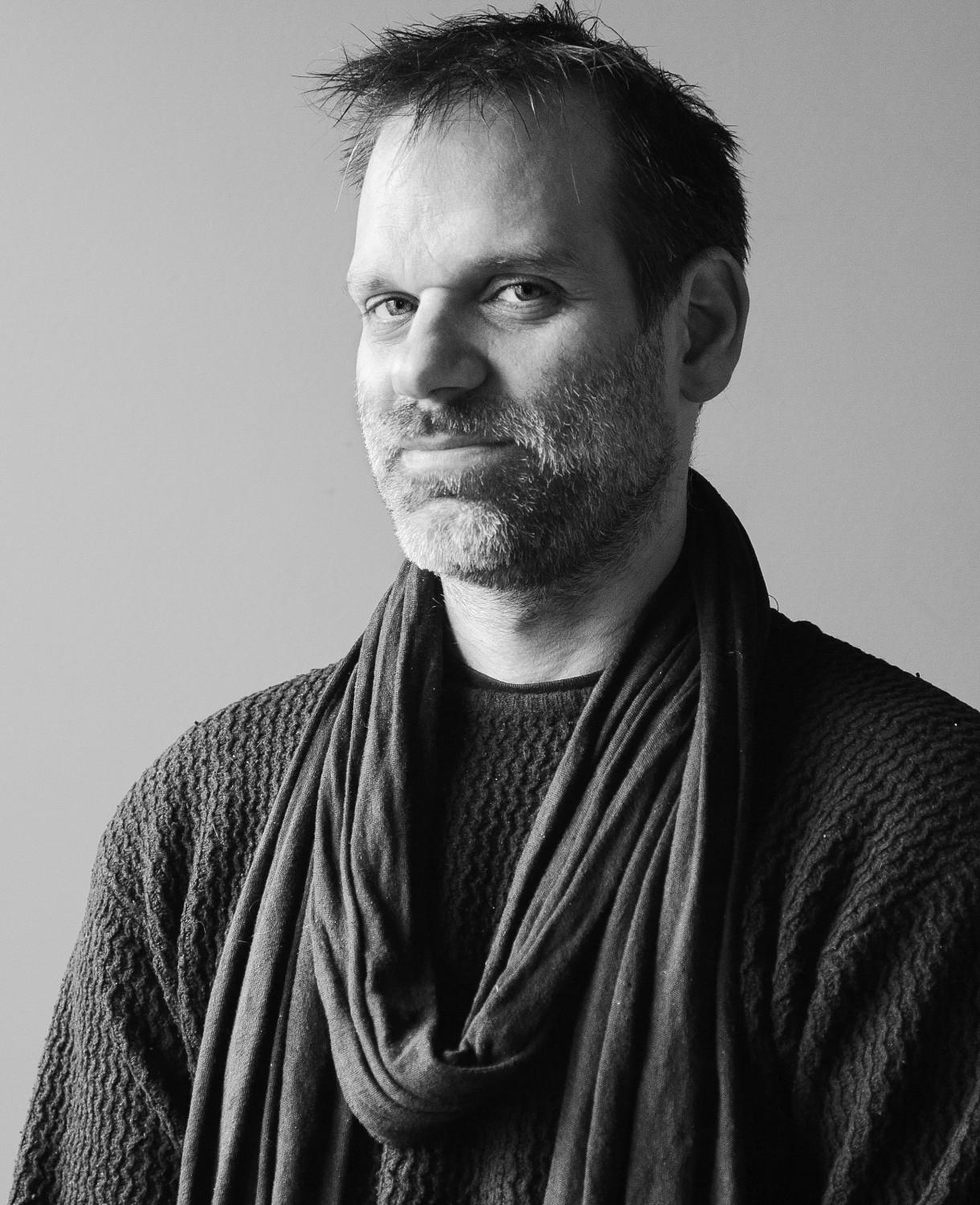 Mathieu Marcil | OMNIBUS le corps du théâtre